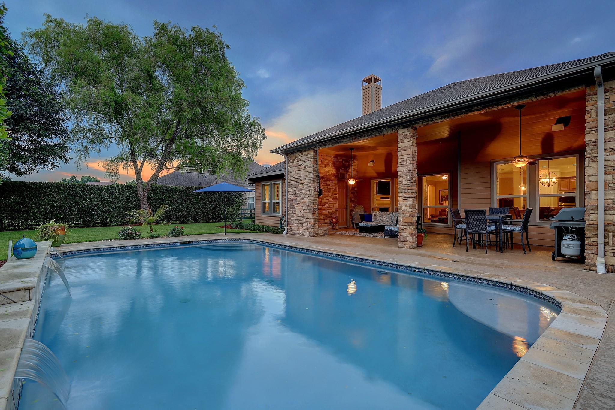 5115 Water Oak Crescent Property Photo 1