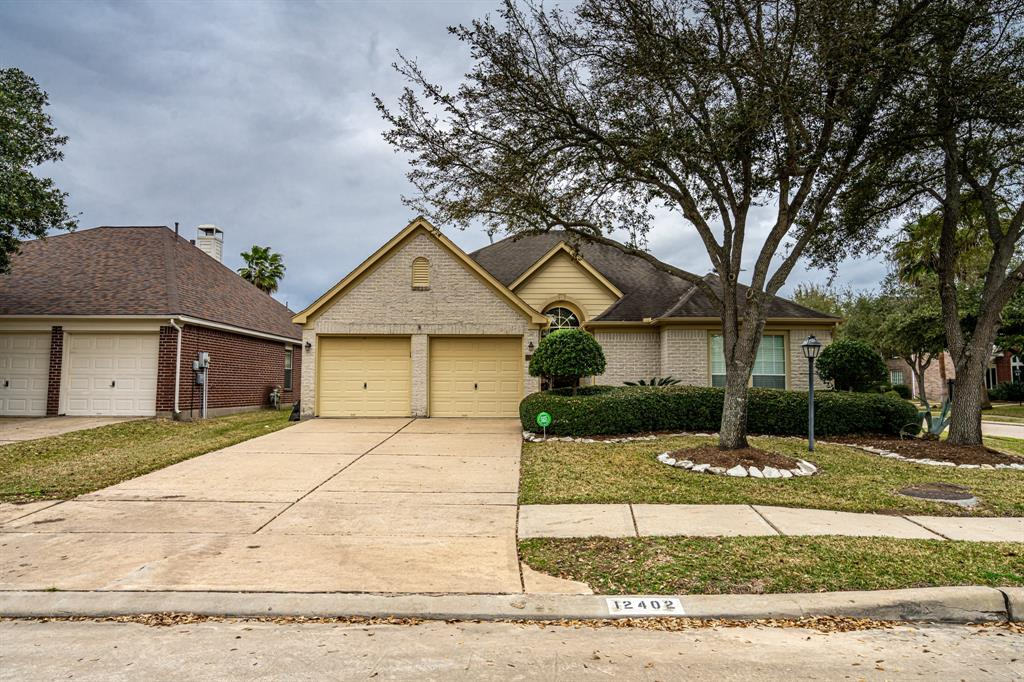12402 N Shadow Cove Lane, Houston, TX 77082 - Houston, TX real estate listing
