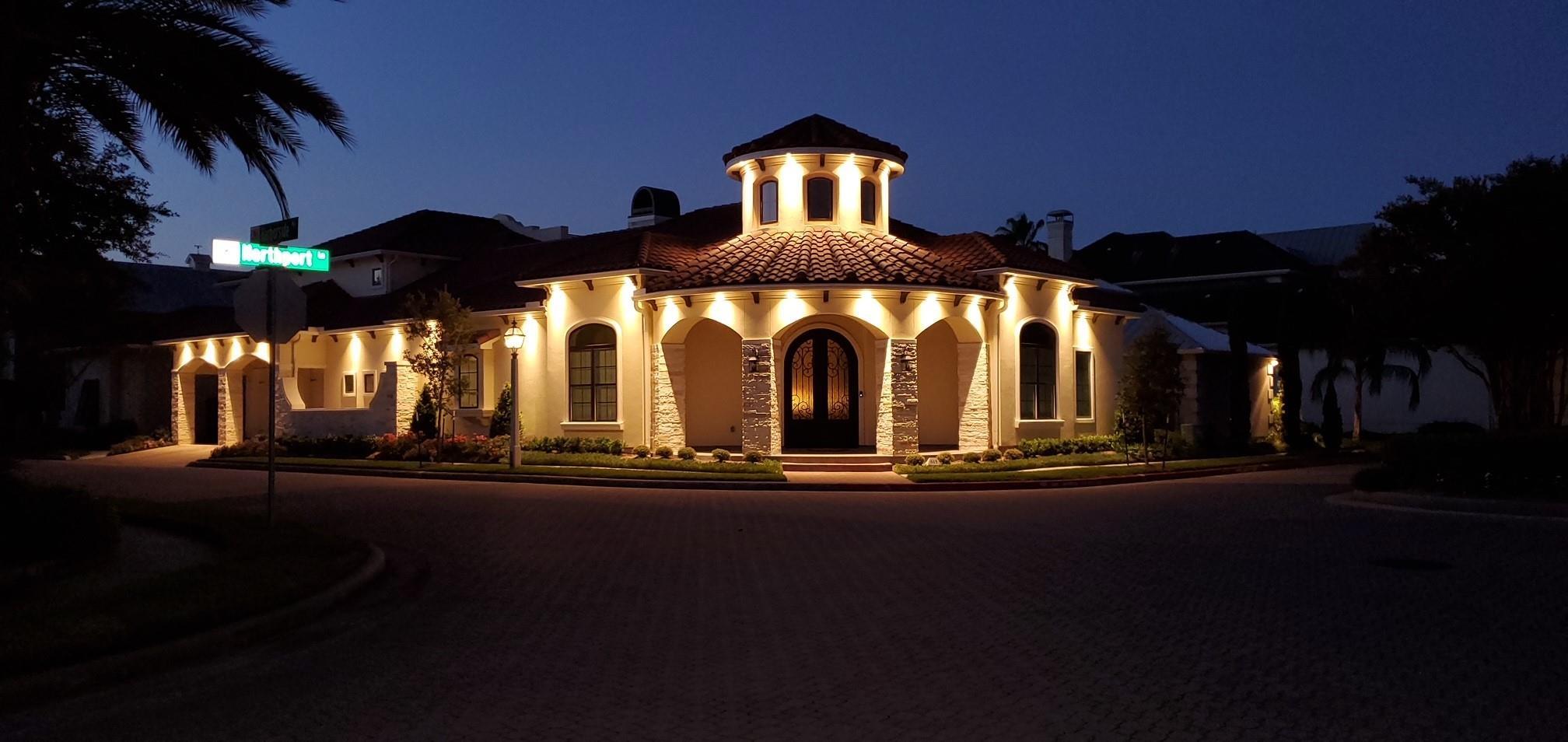 615 Northport Lane Property Photo - Kemah, TX real estate listing