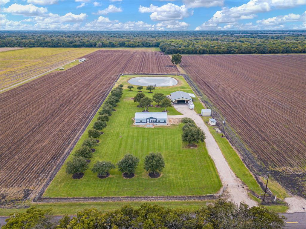 5810 Charlie Meyer Road, Damon, TX 77430 - Damon, TX real estate listing