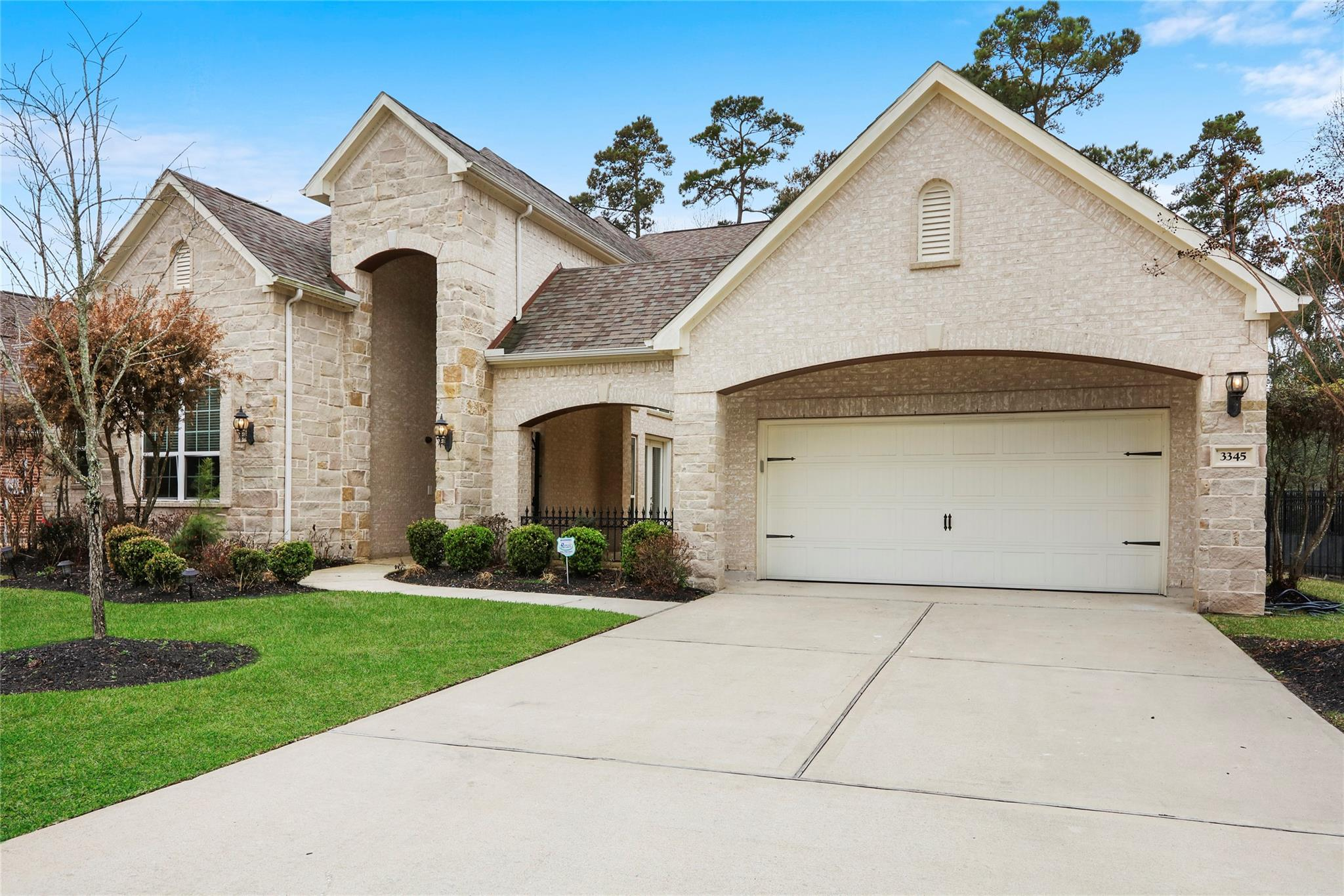 3345 S Cotswold Manor Drive Property Photo - Kingwood, TX real estate listing