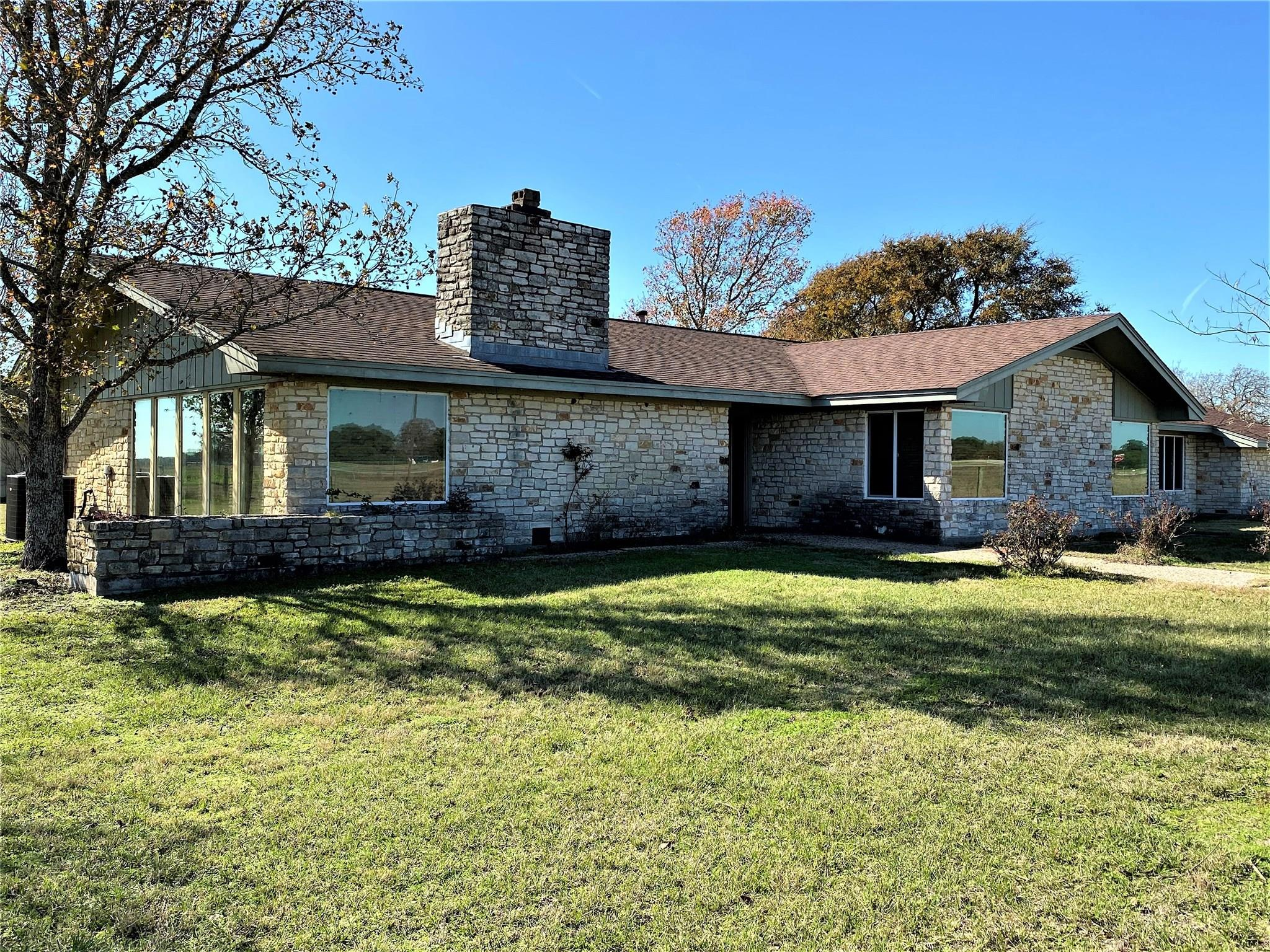 392 Blume Lane Property Photo - Ledbetter, TX real estate listing