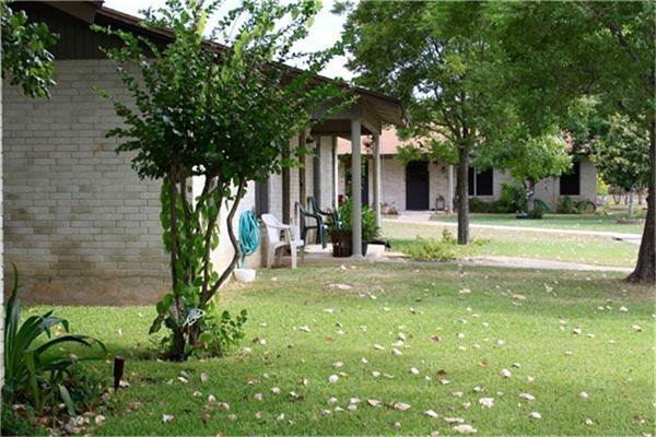 221 Peach Street Property Photo - Luling, TX real estate listing