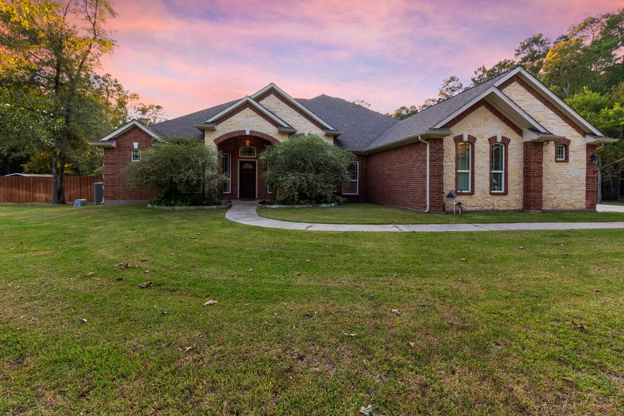 28319 Lazy Rock Drive Property Photo - Huffman, TX real estate listing