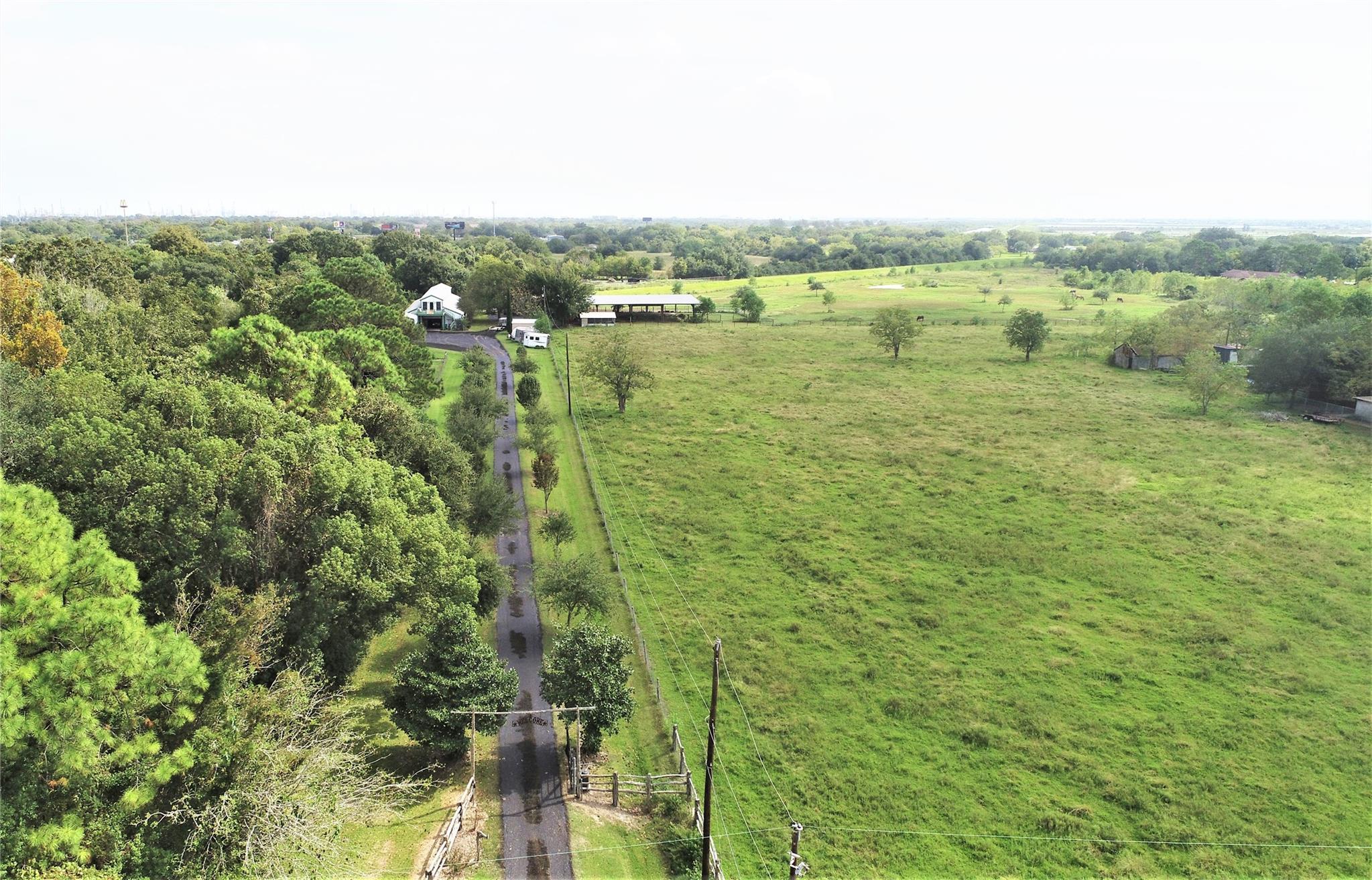 2325 Westward Avenue Property Photo - La Marque, TX real estate listing