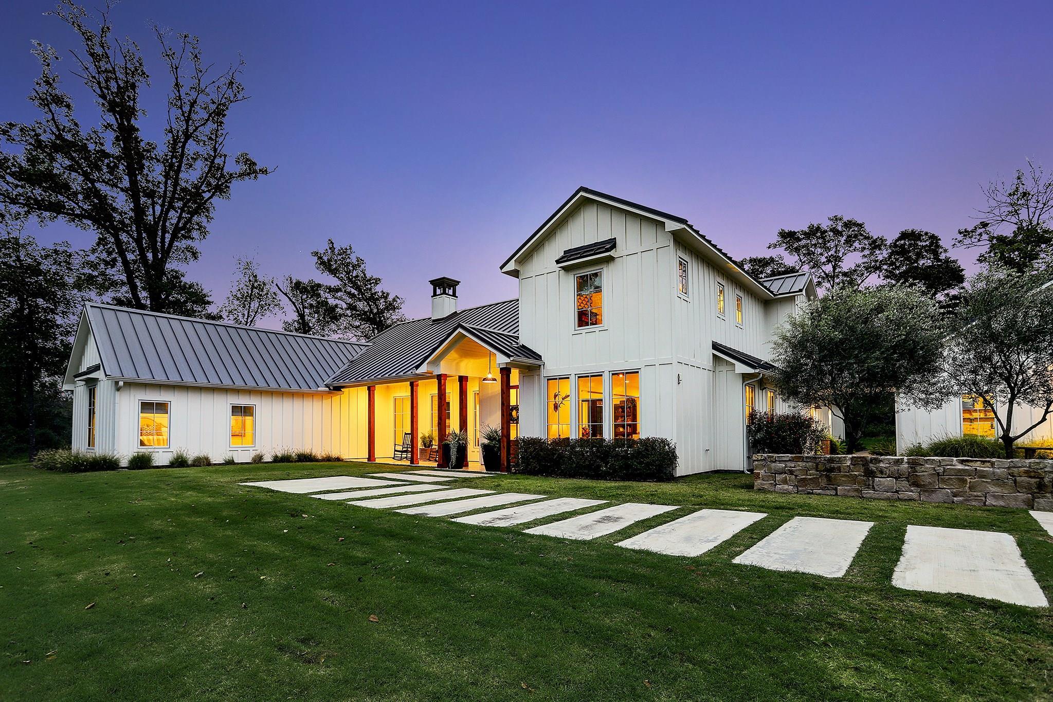 1020 Yaupon Creek Estates Property Photo - Columbus, TX real estate listing