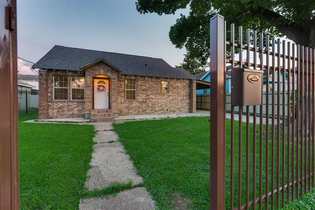 1806 2nd Street Property Photo - Galena Park, TX real estate listing