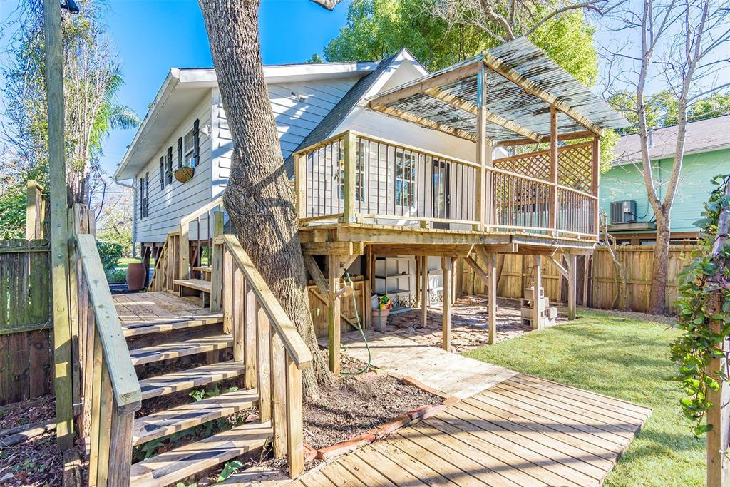 660 Pine Road, Clear Lake Shores, TX 77565 - Clear Lake Shores, TX real estate listing