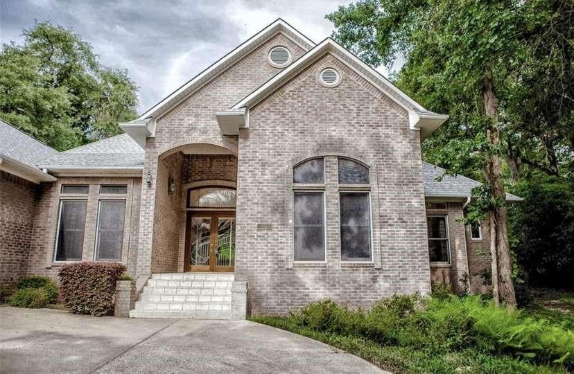 525 Dogwood Lane Property Photo