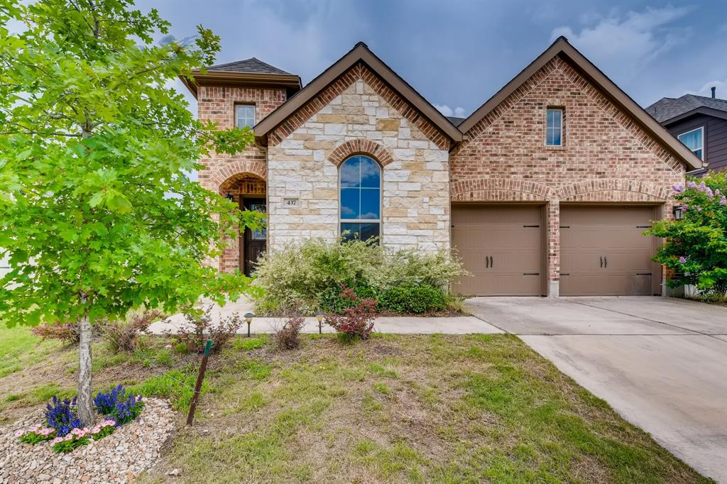 437 Lacey Oak Loop Property Photo - San Marcos, TX real estate listing