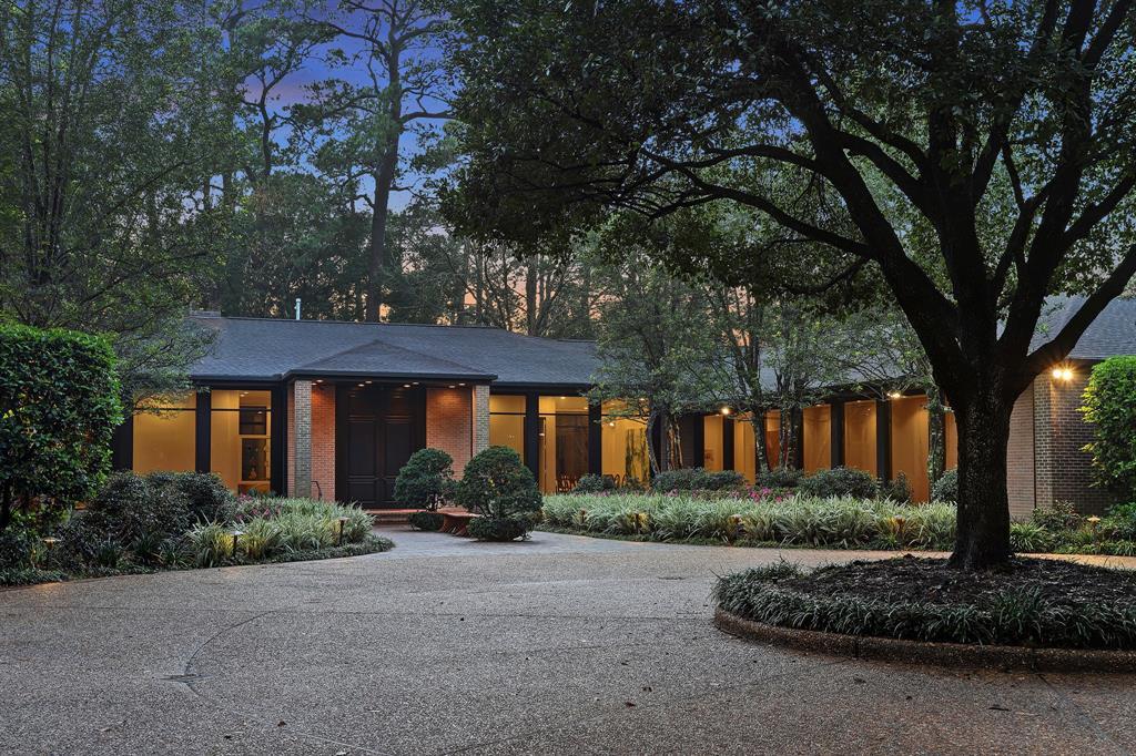 8877 Sandringham Drive, Houston, TX 77024 - Houston, TX real estate listing