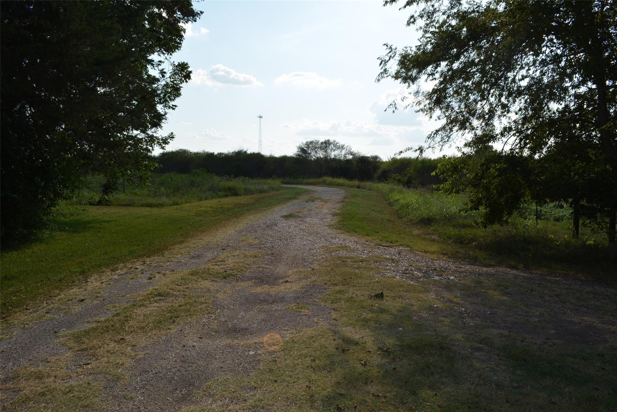 6807 Highway 290 E Property Photo