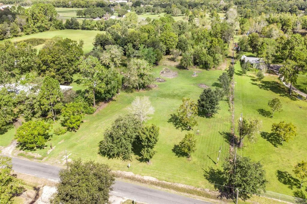 17614 Auction Barn Road Property Photo - Alvin, TX real estate listing