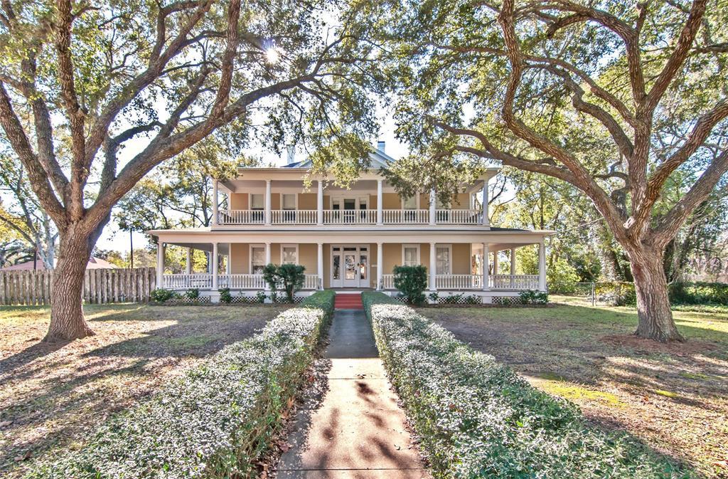 711 Hanover Street, Edna, TX 77957 - Edna, TX real estate listing