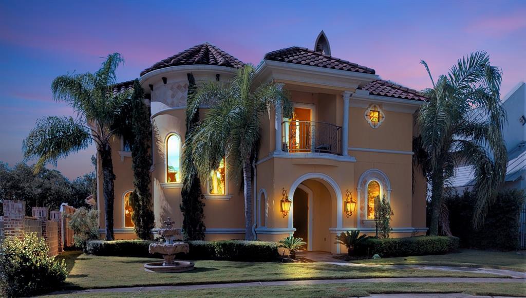 704 Harborside Way Property Photo - Kemah, TX real estate listing