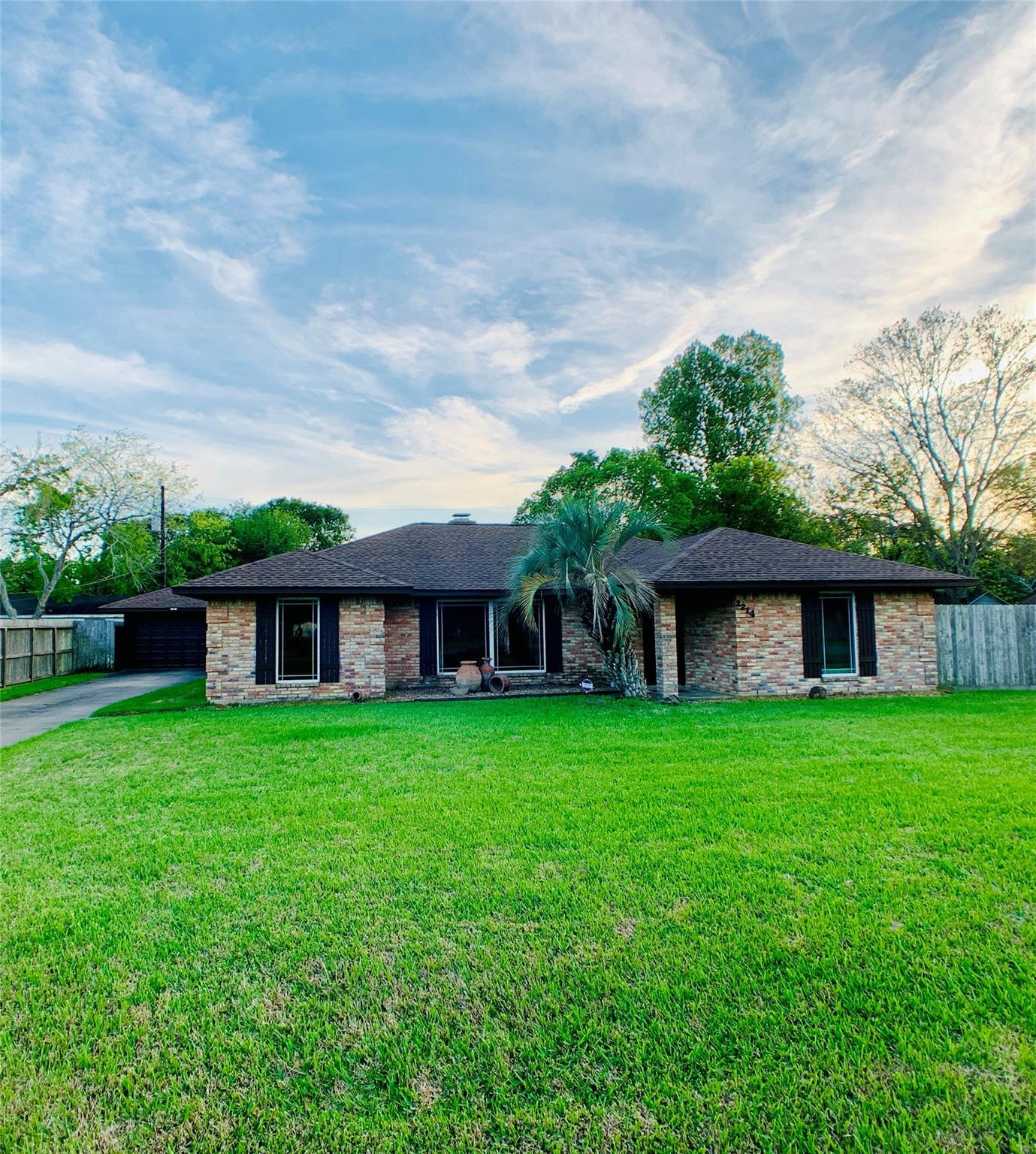 2214 Avenue K Property Photo - Danbury, TX real estate listing