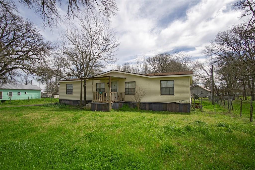 245 County Road 415 Property Photo - Lyons, TX real estate listing