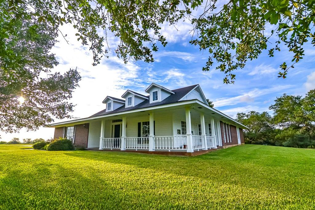 2214 County Road 306, Edna, TX 77957 - Edna, TX real estate listing