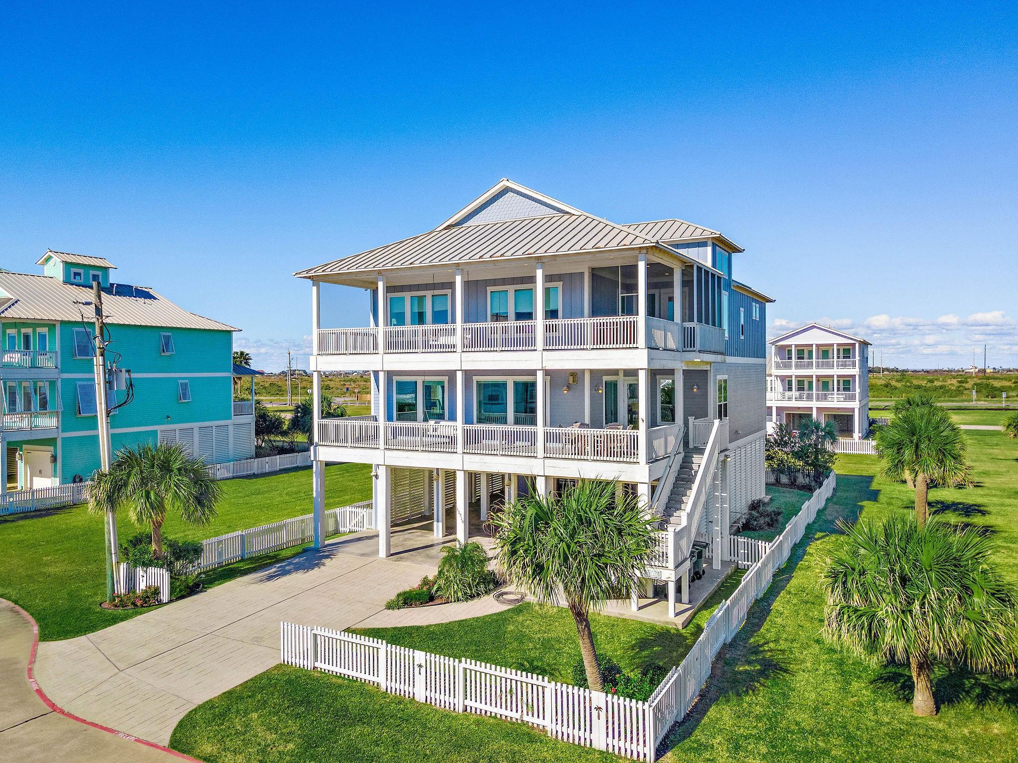 11710 Beachside Property Photo