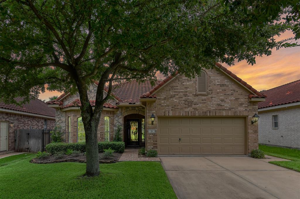 32 Cherry Hills Drive Property Photo - Jersey Village, TX real estate listing