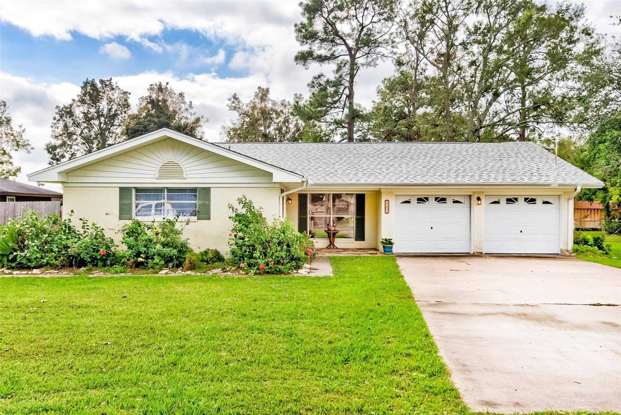 1109 Eugene Property Photo - Port Neches, TX real estate listing
