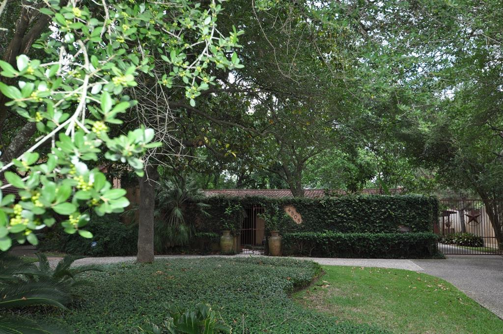 4505 Brookwoods Drive Property Photo - Houston, TX real estate listing