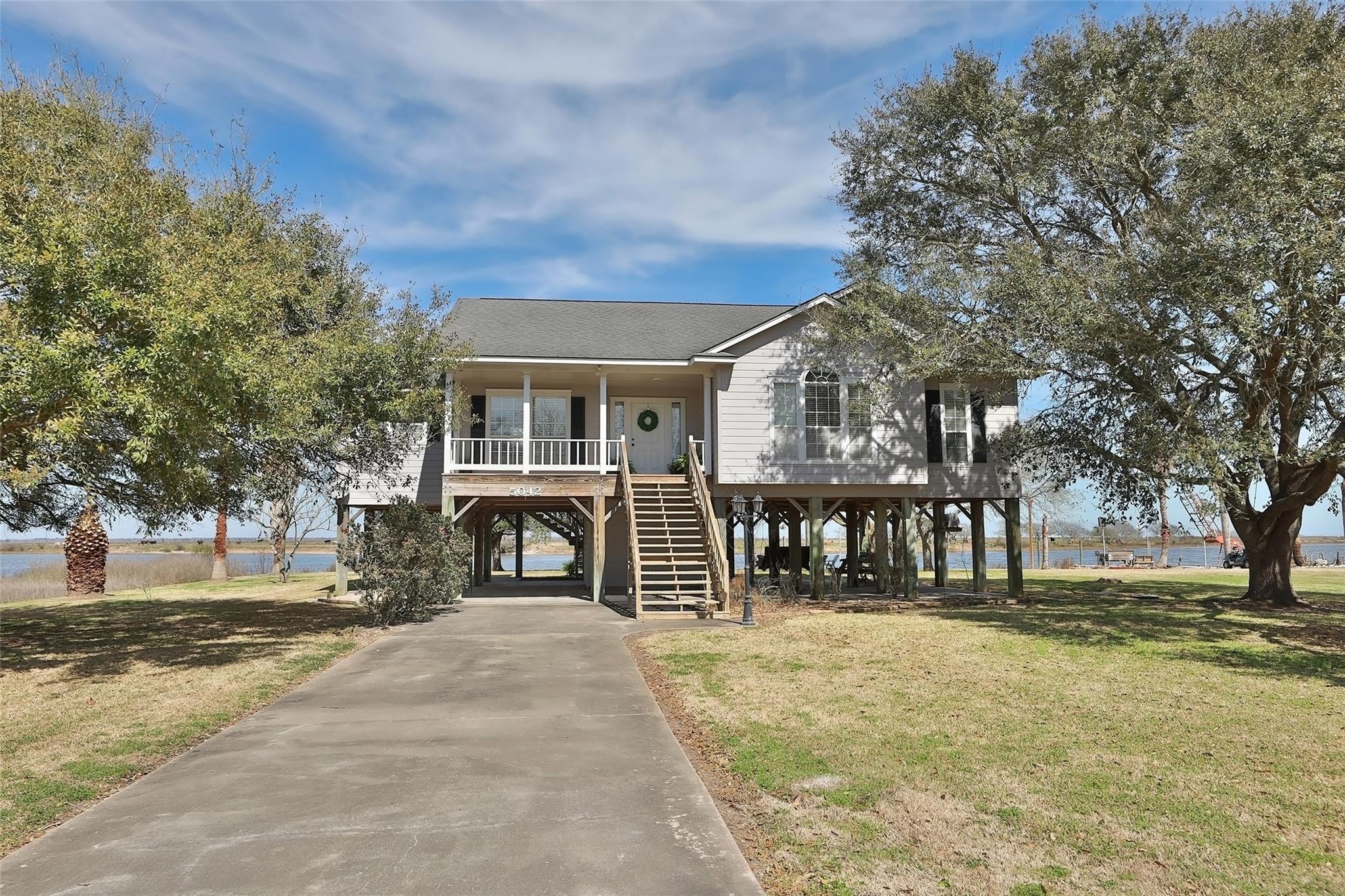 5042 County Road 469 Property Photo - Brazoria, TX real estate listing