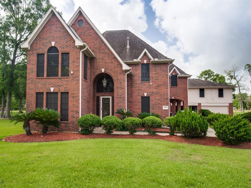 2902 Landmark Drive Property Photo - Baytown, TX real estate listing