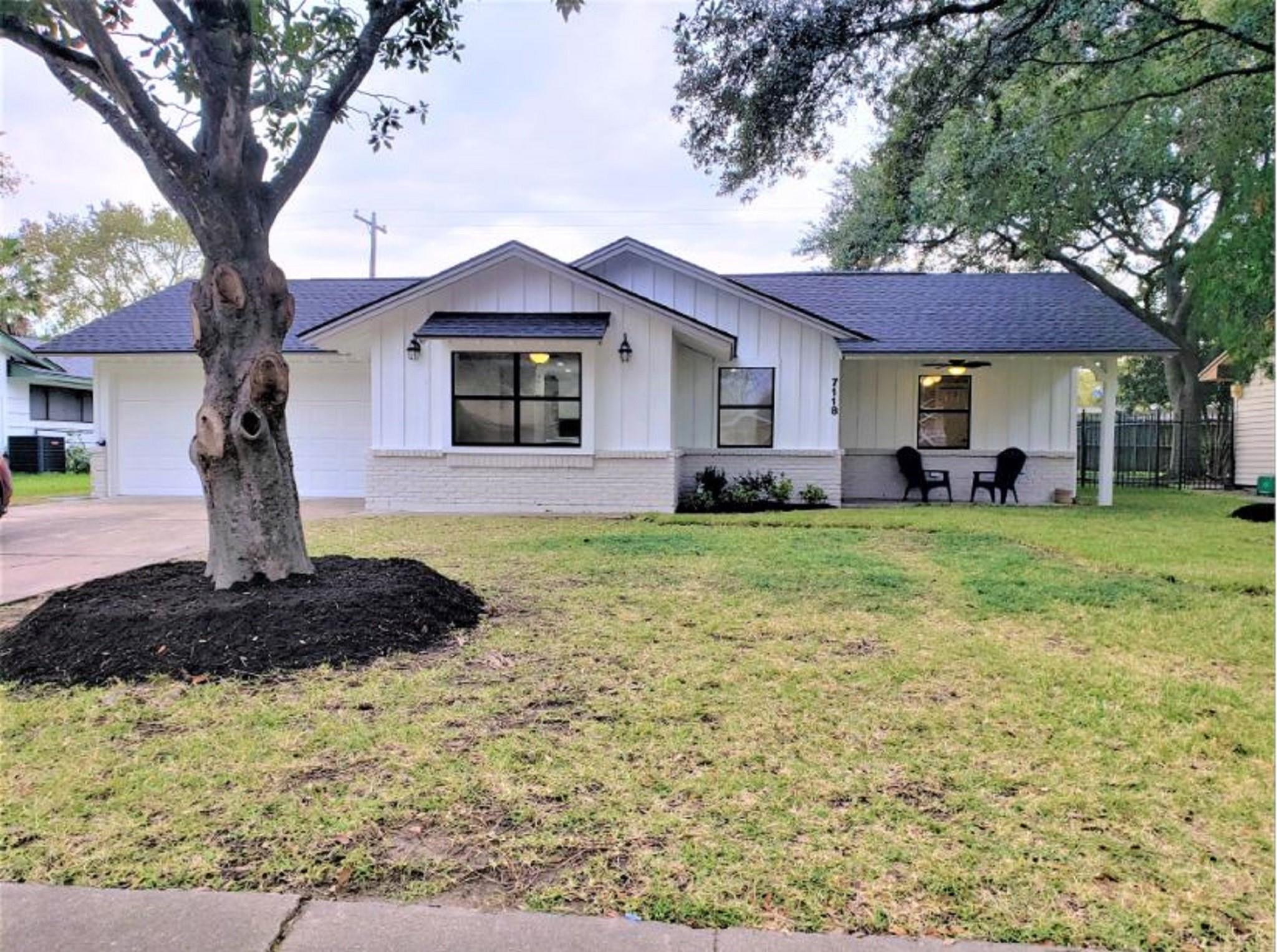 7118 Sharpview Drive Property Photo - Houston, TX real estate listing