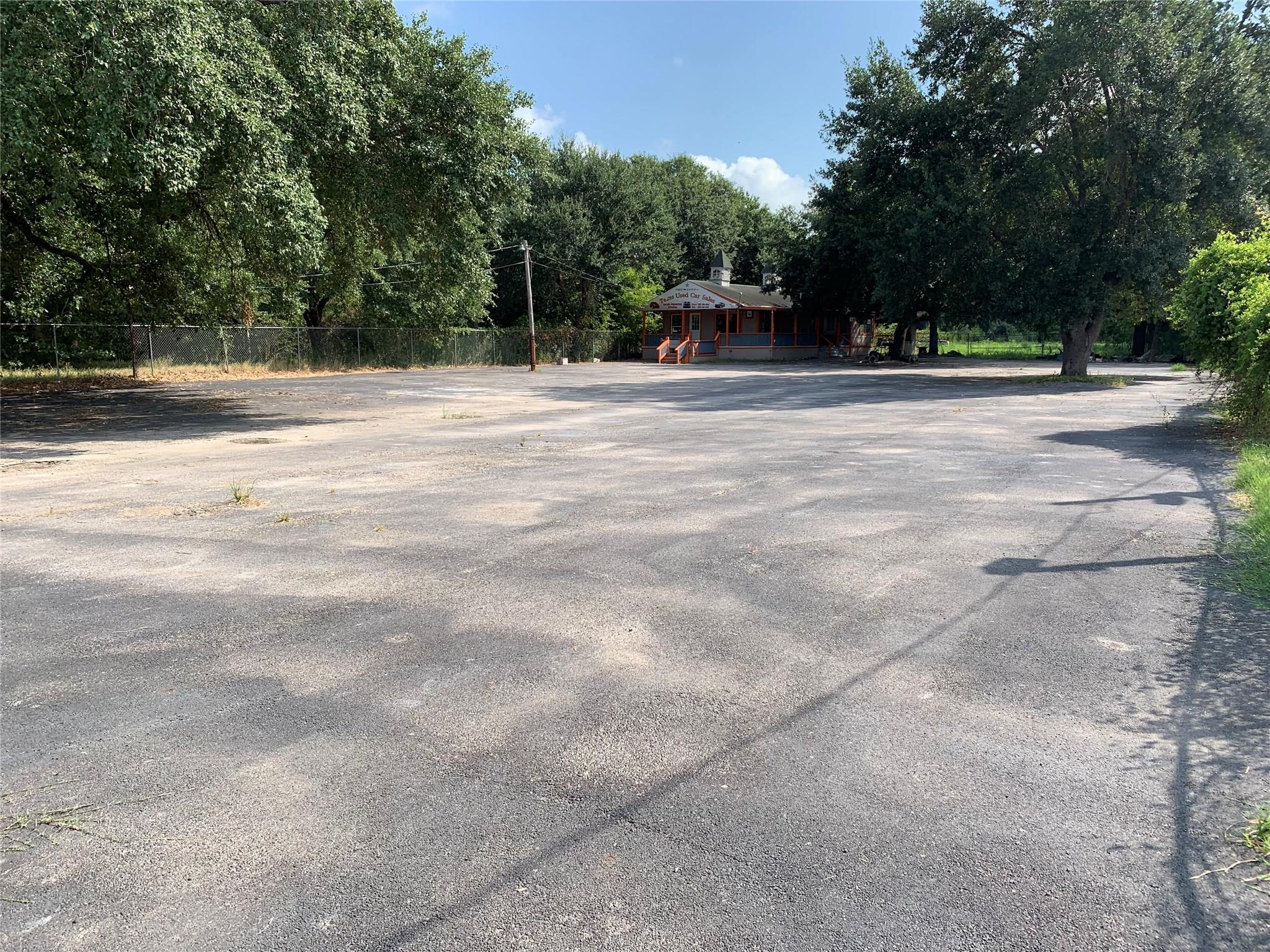 15006 Stuebner Airline Road Property Photo