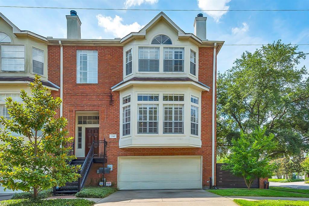2200 Montrose Th Real Estate Listings Main Image