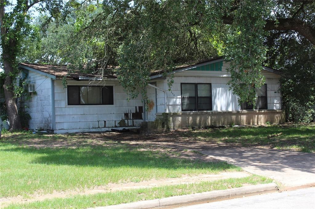 208 Pine Street Property Photo - Prairie View, TX real estate listing