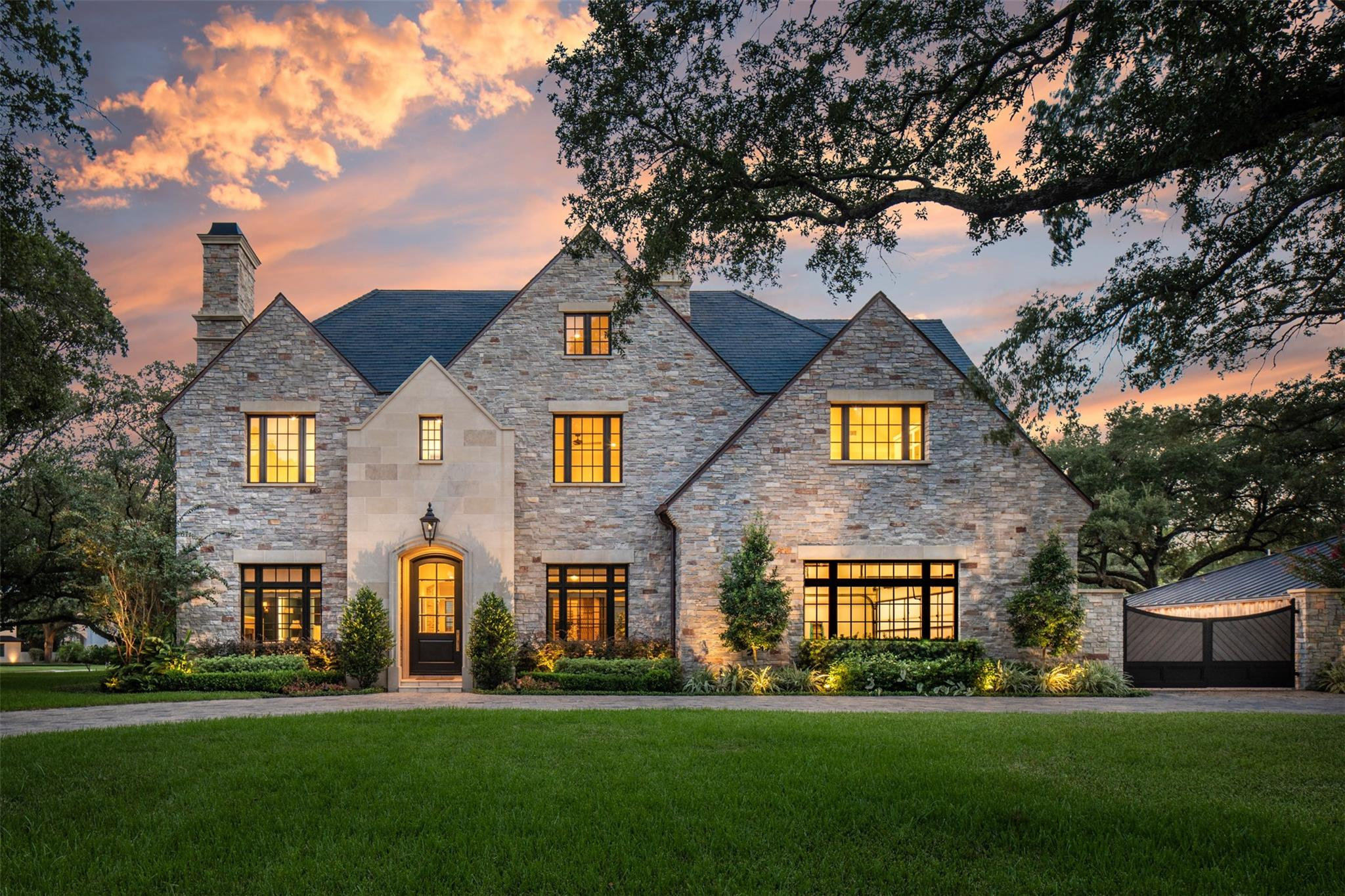 5665 Green Tree Road Property Photo - Houston, TX real estate listing