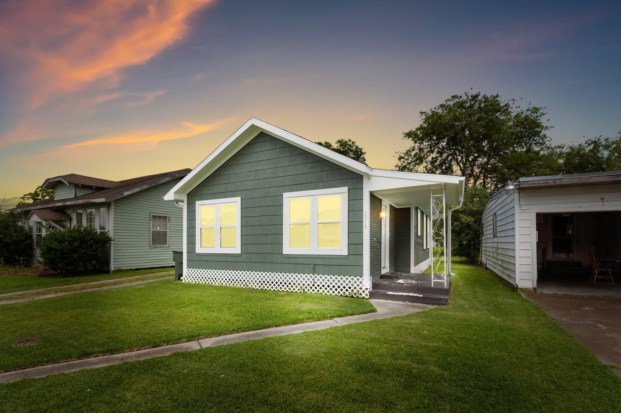 1214 6th W Street Property Photo - Port Arthur, TX real estate listing