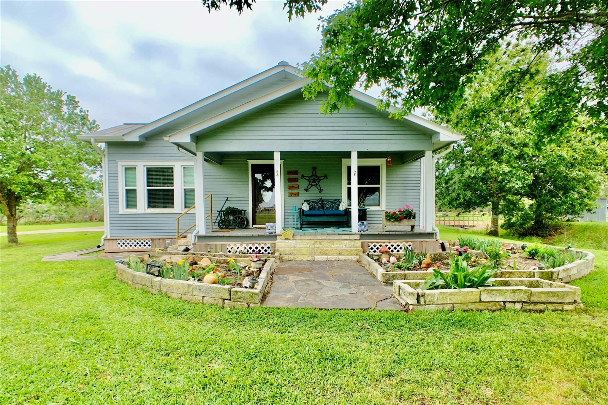 2035 County Road 660a Property Photo - Danbury, TX real estate listing