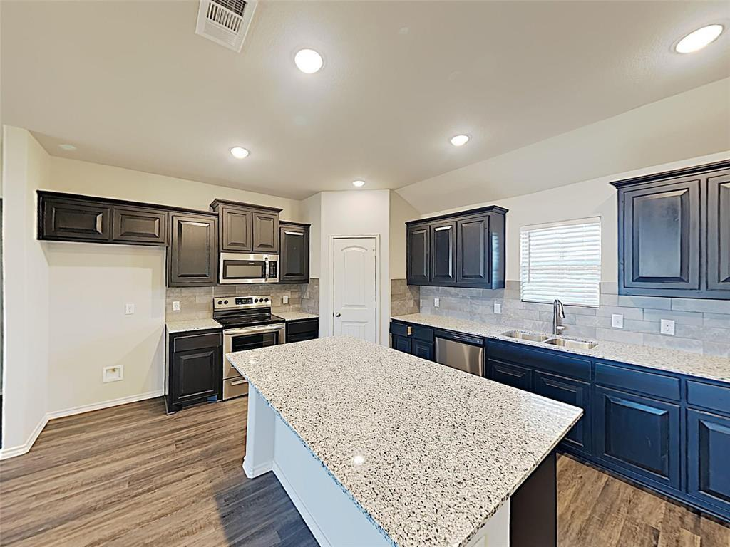 3905 Chippewa Court Property Photo - Granbury, TX real estate listing
