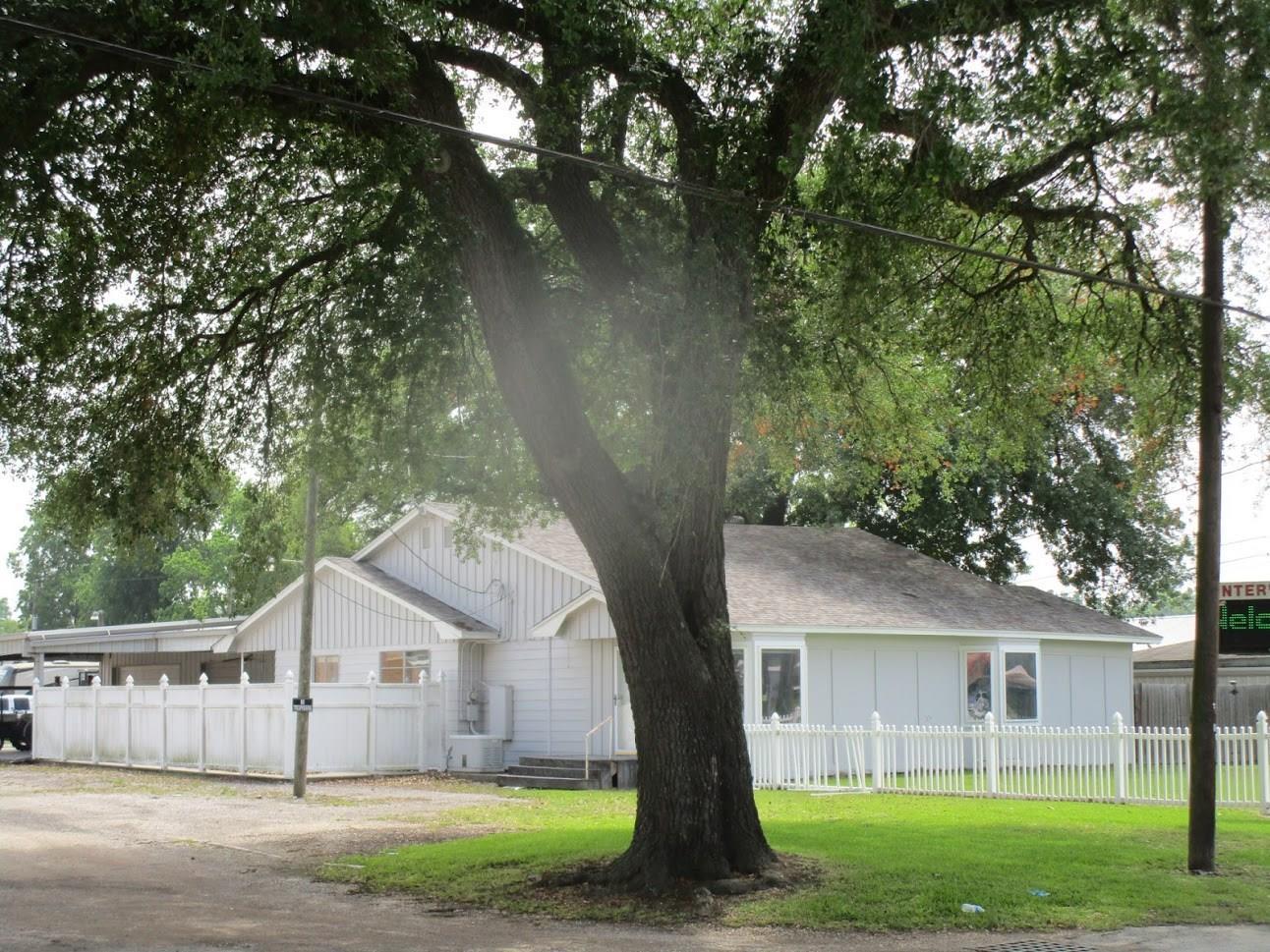 605 S Main Street Property Photo