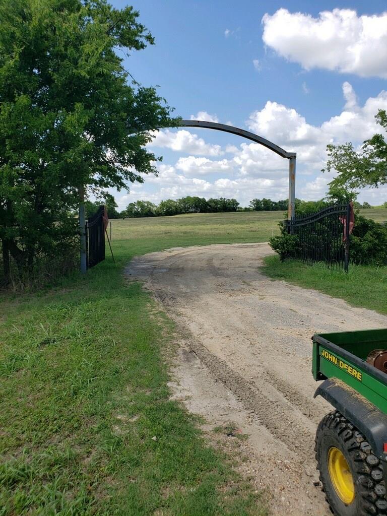 10956 Highway 290 W Property Photo 1