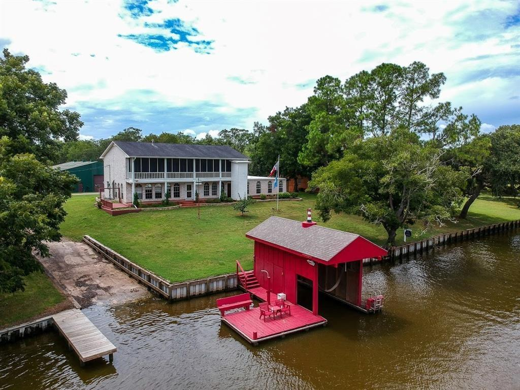 2470 County Road 506 Property Photo - Brazoria, TX real estate listing