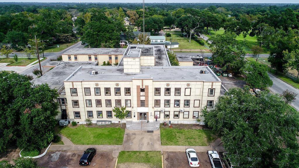 301 1st Street, Conroe, TX 77301 - Conroe, TX real estate listing