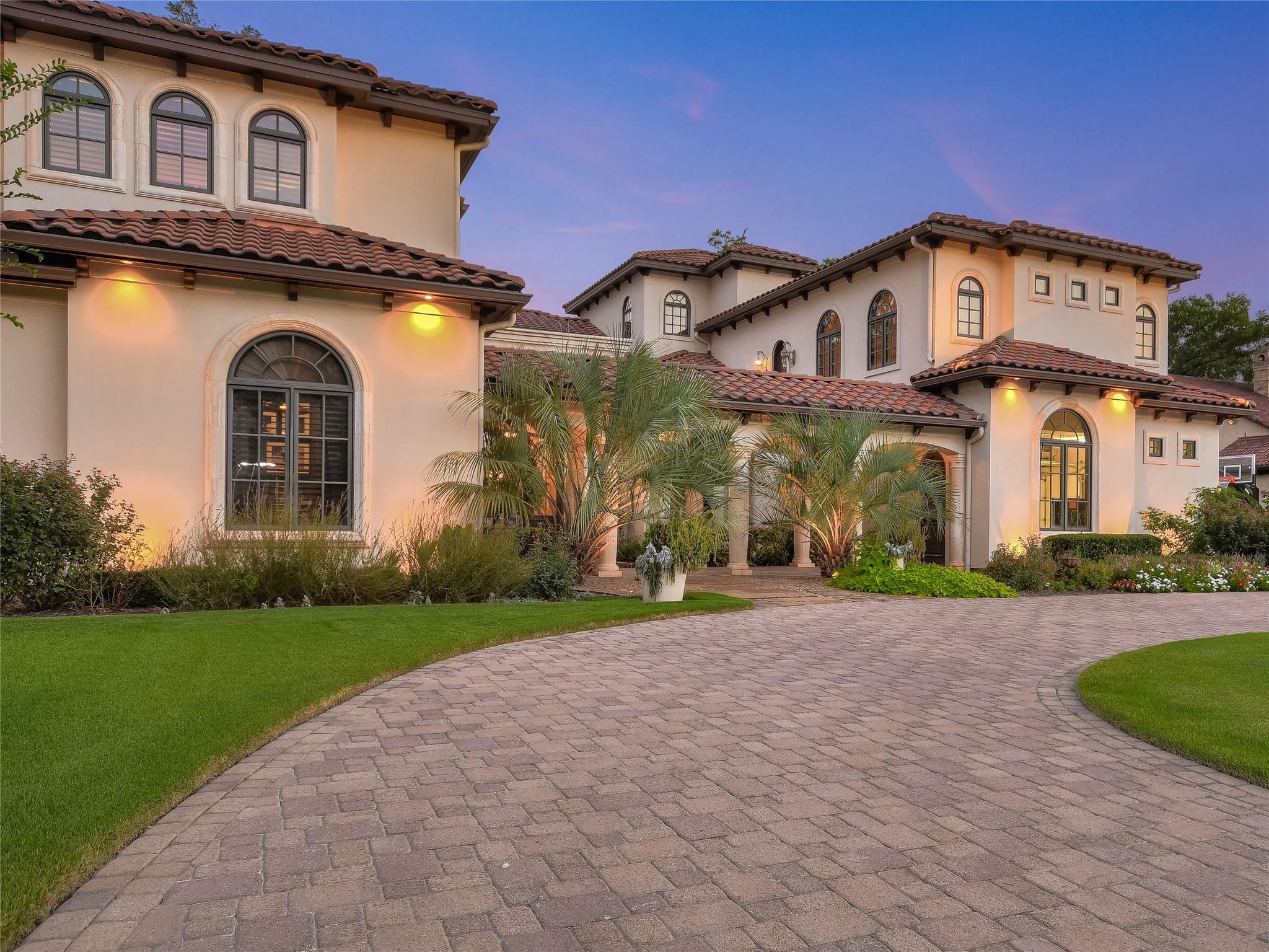 8300 Big View Drive Property Photo - Austin, TX real estate listing