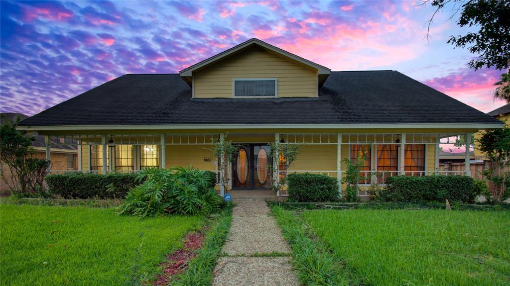 5210 Peach Creek Drive Property Photo - Houston, TX real estate listing