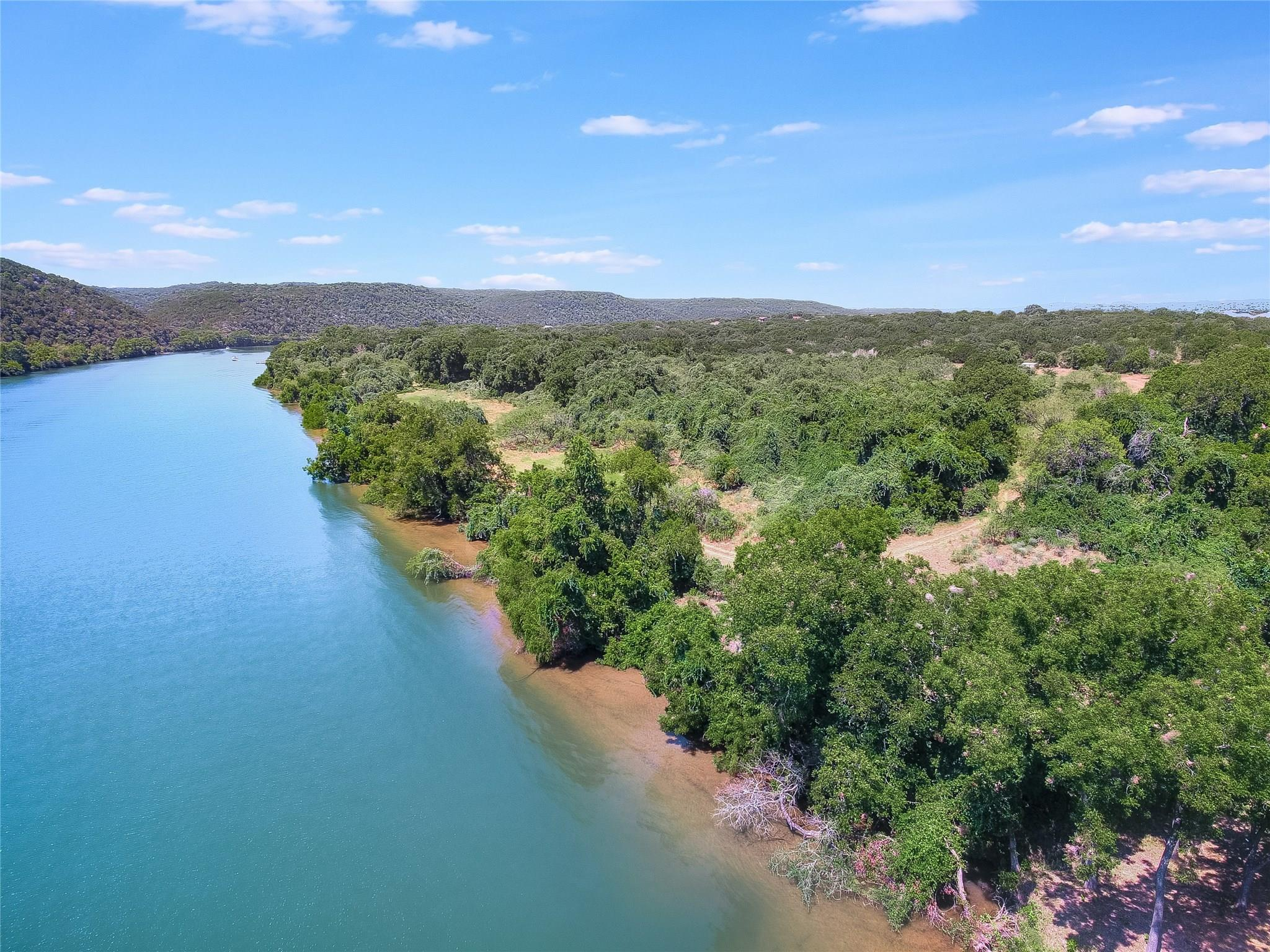 001 Selma Hughes Property Photo - Austin, TX real estate listing