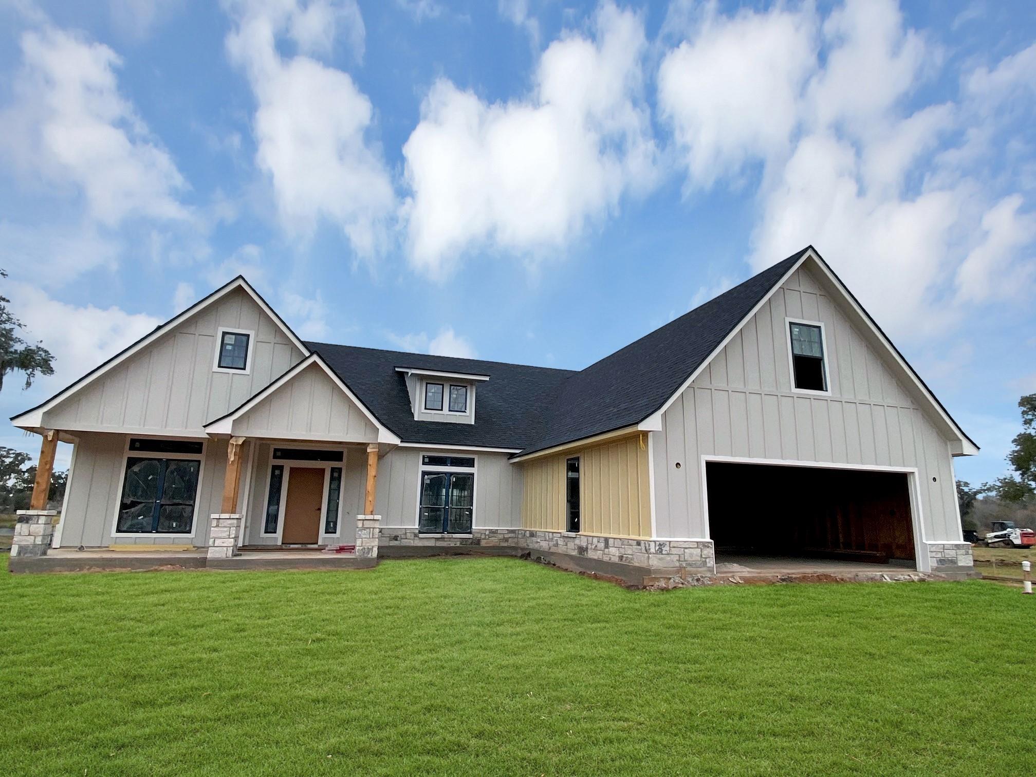 217 Arrowhead Drive Property Photo - Lake Jackson, TX real estate listing