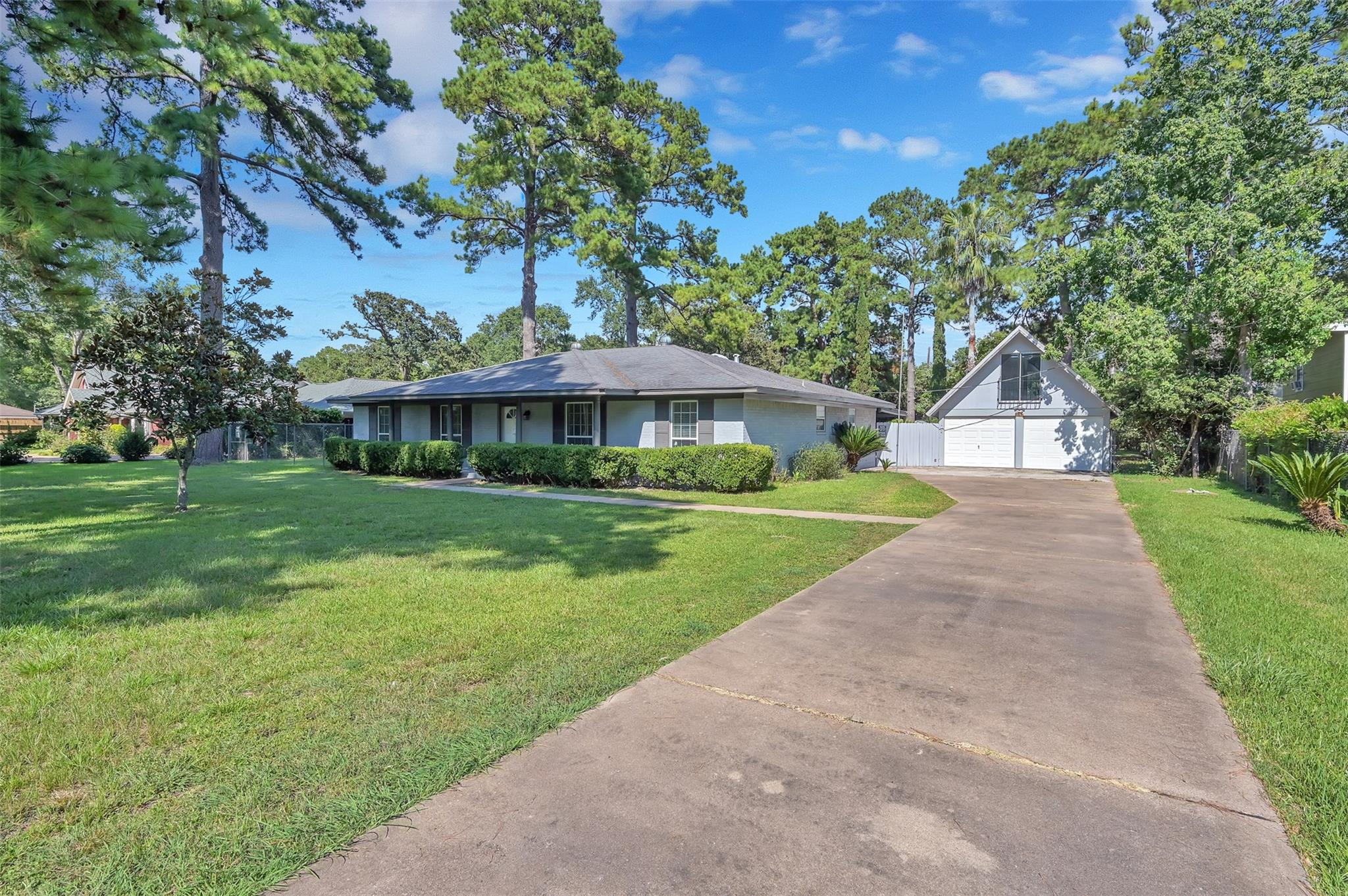 11610 Timber Hollow Property Photo - Houston, TX real estate listing