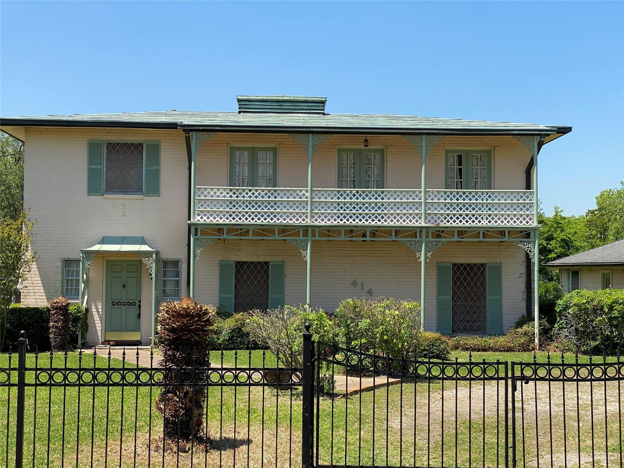 414 Bayridge Road Property Photo - Morgan's Point, TX real estate listing