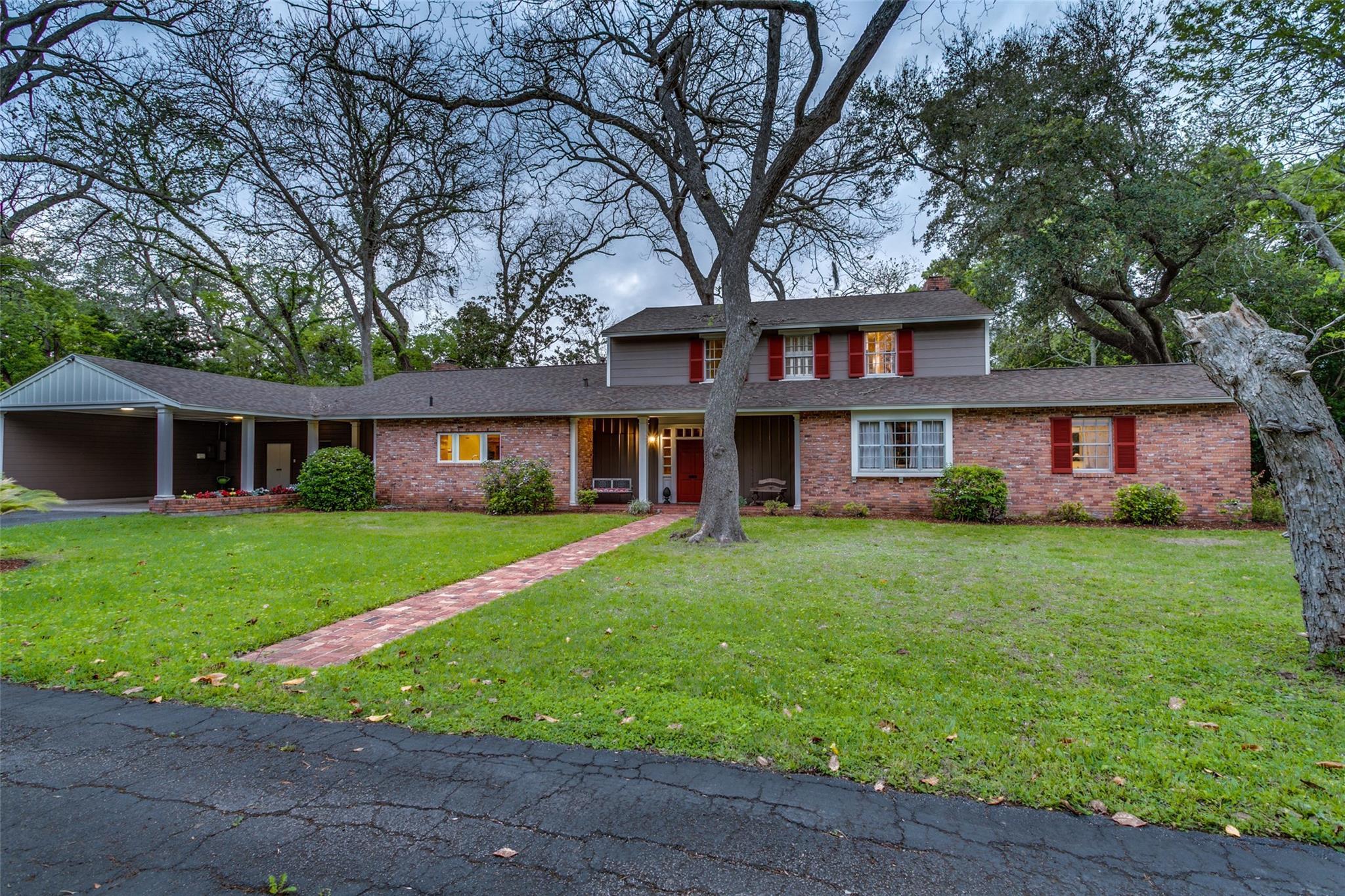 312 Oyster Creek Drive Property Photo