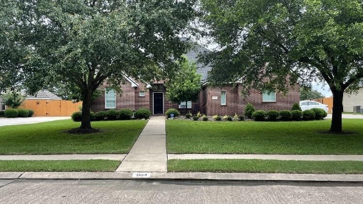1104 Oak Park Drive Property Photo 1