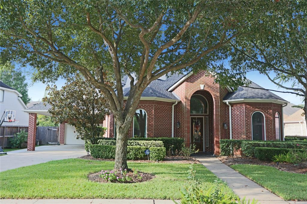 8625 Wyndham Village Drive Property Photo - Jersey Village, TX real estate listing