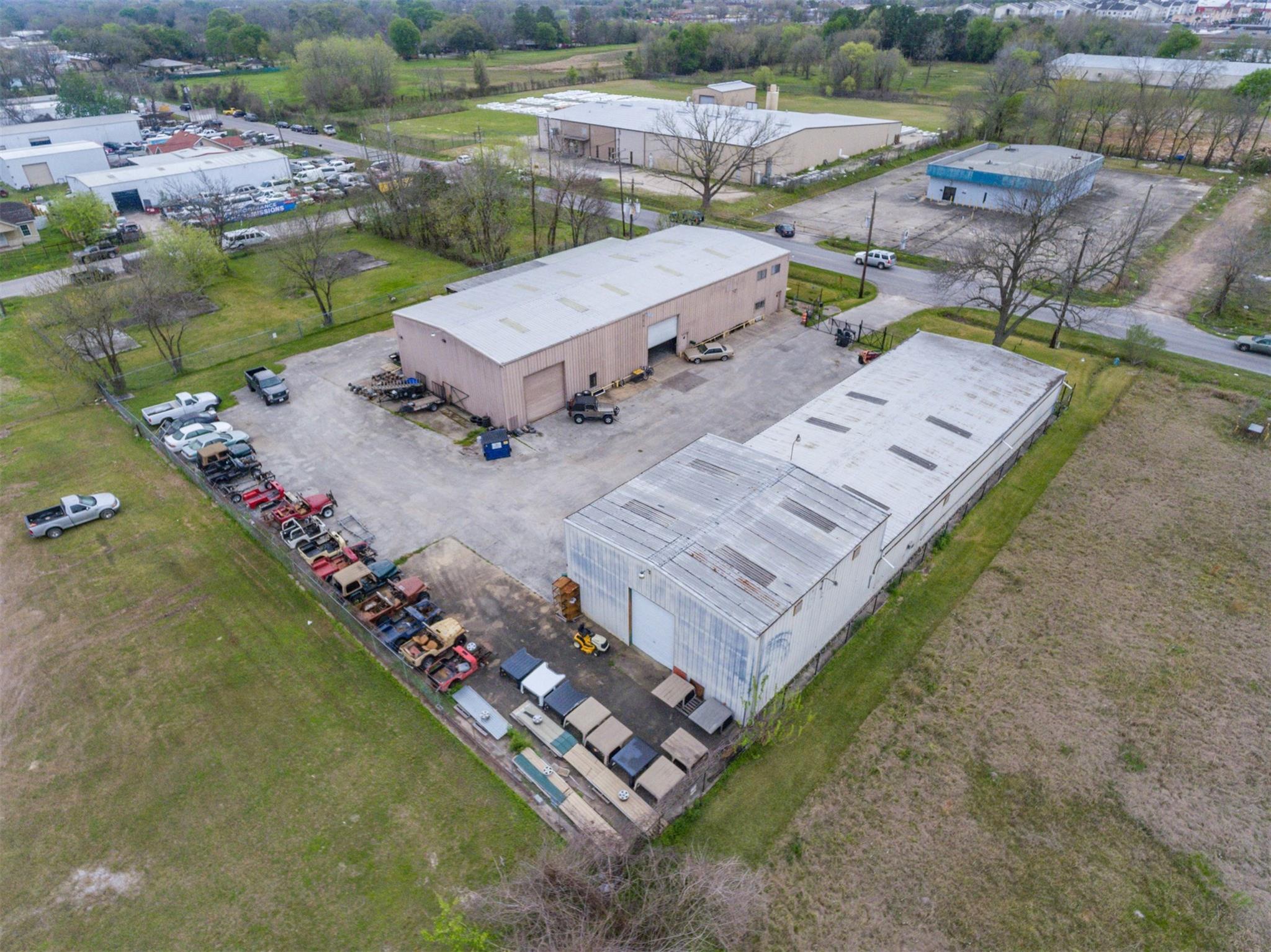 410 W Canino Road Property Photo